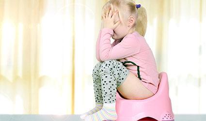 دلایل-بی-اختیاری-مدفوع-در-کودکان