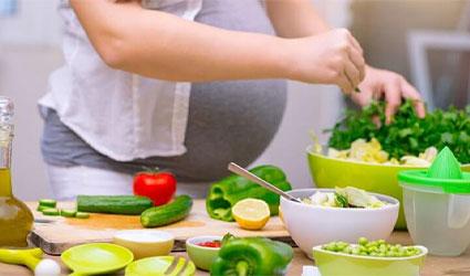 مواد غذایی مناسب برای یبوست در بارداری